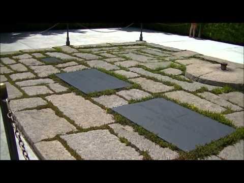 Graves of John, Jackie, Patrick and baby daughter Kennedy at Arlington