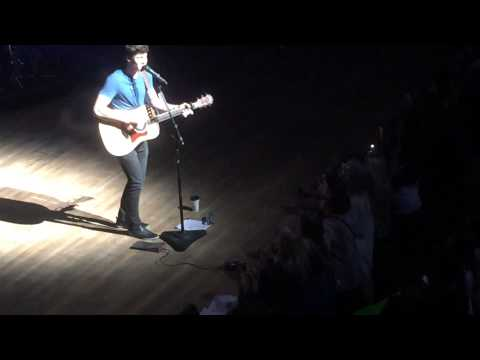 Shawn Mendes - Thinking Out Loud (Ed Sheeran cover) in Calgary 05-08-2015