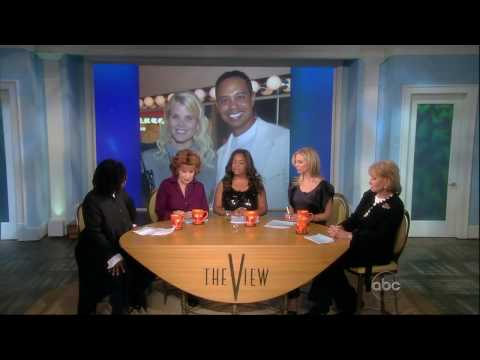 """The View"" Talks About Tiger Woods Affair--Whoopi Bored"