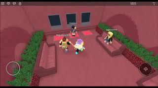 Roblox-Hadly301-Survive The Red Dress Girl