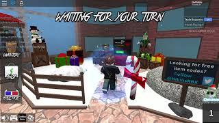 Playing Roblox Murder Mystery 2-in English