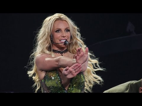 Thumbnail: Britney Spears - POM 2.0 Live: Work Bitch, Womanizer, Break The Ice & POM (Las Vegas 2016)