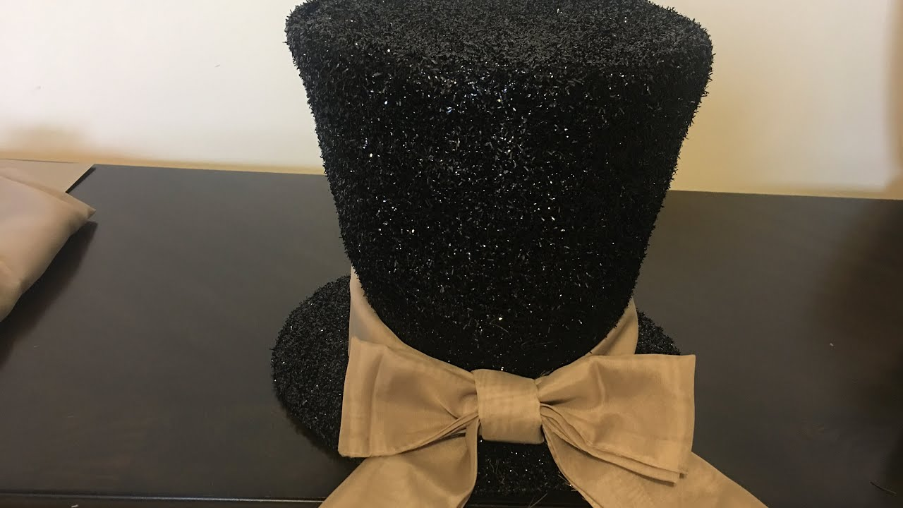 Christmas Top Hat Tree Topper