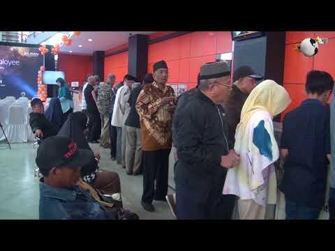 Direksi Pos Indonesia Menyambut Pelanggan dan Karyawan Tahun Baru 2018