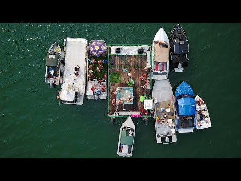 CHECK OUT This CRAZY BOAT Party