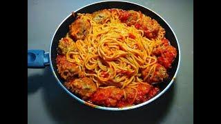 спагетти с мясными шариками в томатном соусе  Готовить просто, паста