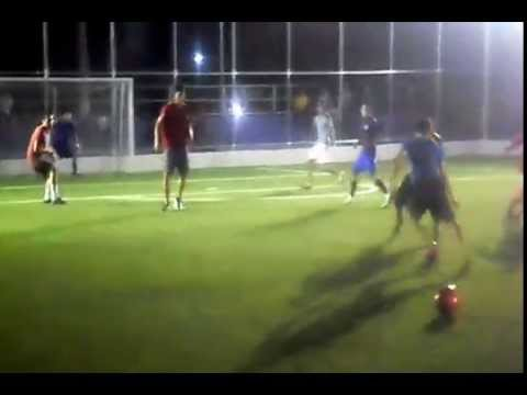 La Raza Jugando Futbol En La Cancha La Sierpe Youtube