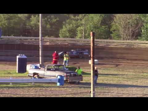 Hummingbird Speedway (7-7-18): Swanson Heavy Duty Truck Repair Semi-Late Model Heat Race #2