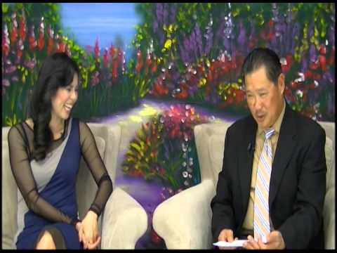 The Victoria To Uyen Show: Phỏng vấn Hoàng Tuấn của chương trình Đọc Báo Vẹm
