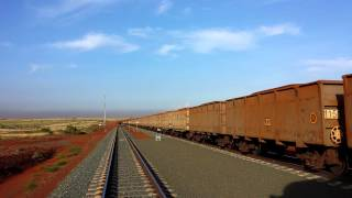 FMG loaded iron ore train getting banked