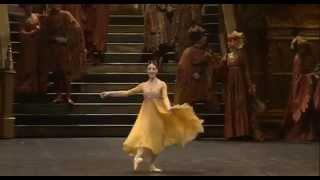 Alessandra Ferri as Juliet - Teatro alla Scala cor. Kenneth Macmillan.