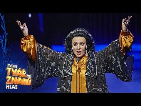 Jan Cina jako Monserat Caballe -