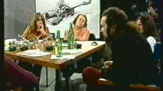 Repeat youtube video Talkshow: Der zerstörte Tisch