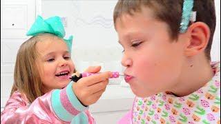 Minnie Катя играет с Максом