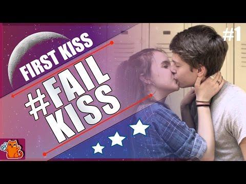 FIRST KISS | FAIL KISS | FUNNY MOMENTS