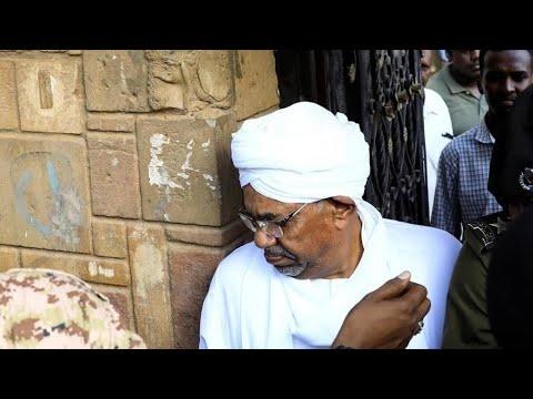 السودان يوافق على تسليم عمر البشير إلى المحكمة الجنائية الدولية على خلفية جرائم دارفور  - 10:01-2020 / 2 / 12