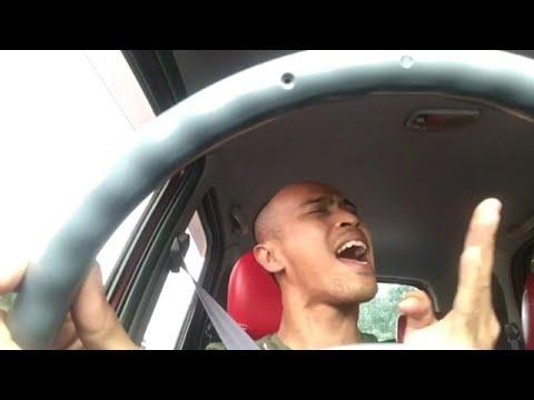 Achey nyanyi lagu Siti Nordiana Terus Mencintai tapi part last tu terkucil