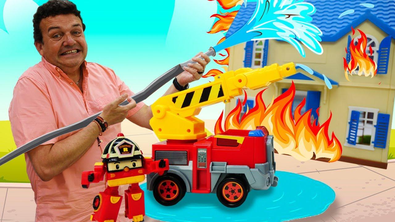Un nuevo camión de bomberos de Roi. Coches y camiones de juguete. Vídeos de juguetes de Robocars.
