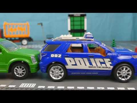 Полицейская машина не смогла поймать преступников и попала в аварию 381 Серия Мир Машинок