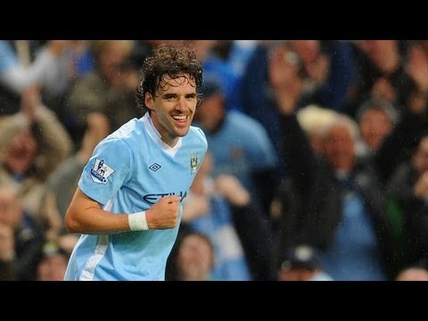 Owen Hargreaves scores on Man City debut