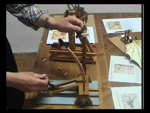 Leonardo da vinci catapulta youtube for Catapulta di leonardo da vinci