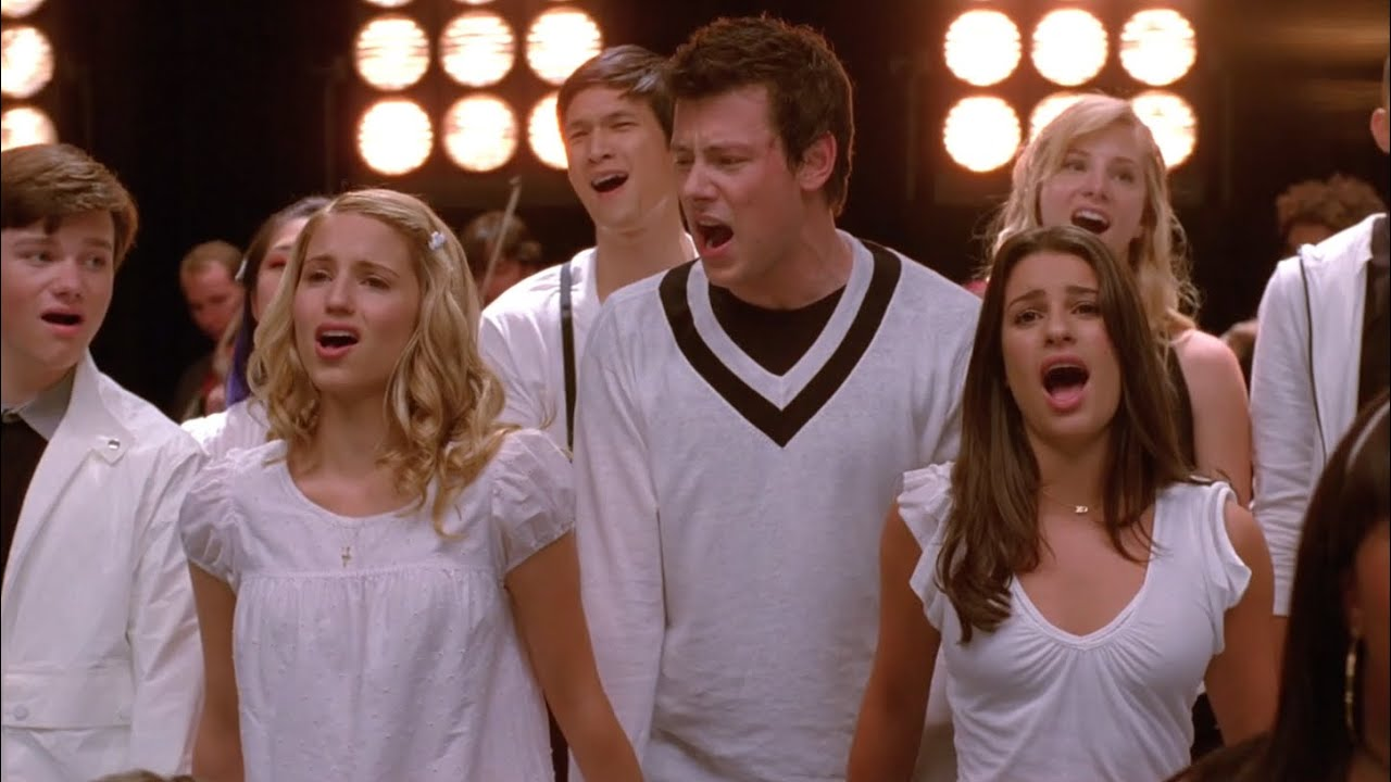 Download GLEE - Keep Holding On (Full Performance) HD
