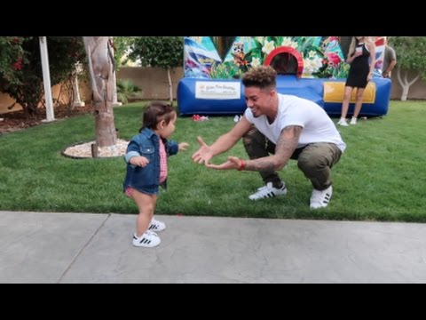 BABY'S FIRST STEPS!!! (10 MONTHS OLD)