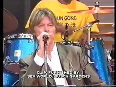 DAVID BOWIE TV Archive: US 2002  VTS 01 3