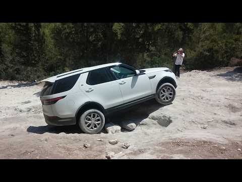 land rover discovery 5 2018 off road