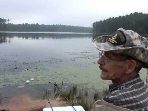 Crappy shoreline fishing at fort bragg 39 s texas lake youtube for Fort bragg fishing