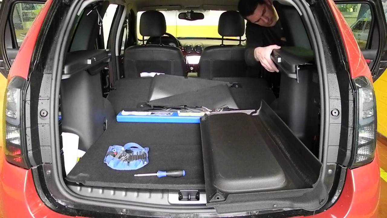 dacia duster fl 2014 kofferraumabdeckung nachr sten youtube. Black Bedroom Furniture Sets. Home Design Ideas