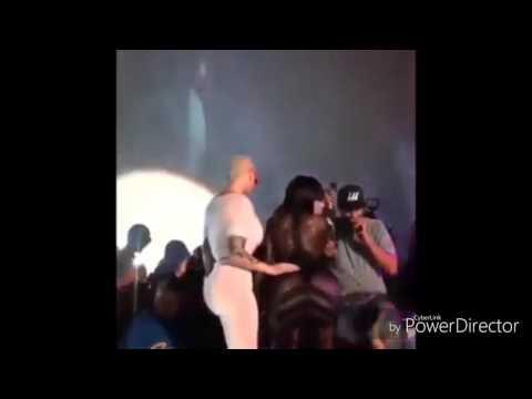 6 Hottest Rihanna Drake Momentsиз YouTube · Длительность: 3 мин51 с