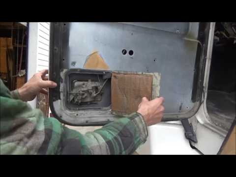 Cleaning and lubricating door lock on '97 Freightliner FLD