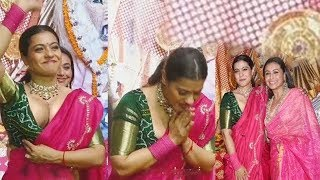 Kajol Devgan Looking Stunning | Kajol Devgan and Rani Mukerji At Durga Puja  | FilmyLooks