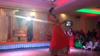Best Bollywood Mehndi Dance