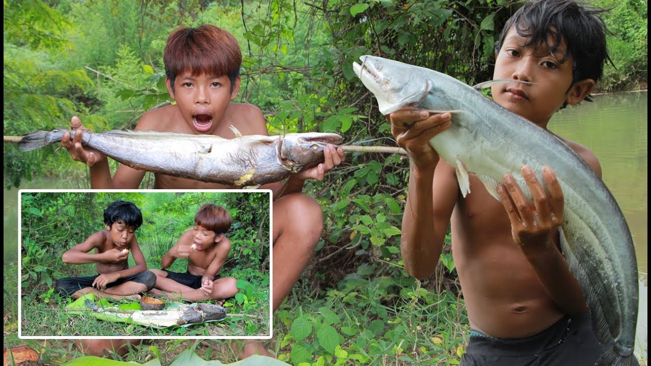 Primitive Technology - Grilled big fish and eating delicious