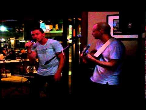 Michael Lynch & Jim Perona - Bailamos (Enrique Iglesias Cover)