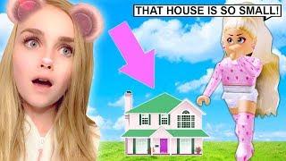 J'ai construit la maison SMALLEST à Bloxburg... (Roblox)