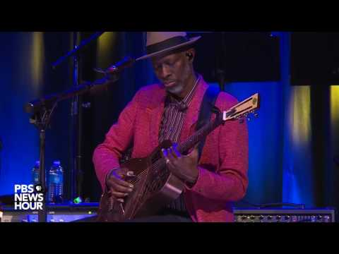 Taj Mahal and Keb' Mo' perform 'Diving Duck Blues'