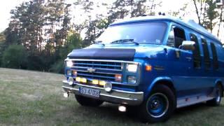 [HD] Chevy Van G20 - Wild Sound Big V8 Engine HQ [HD]