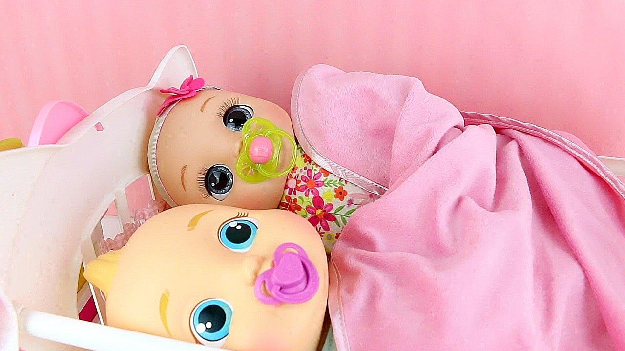 Baby Alive Colocando Meus Bebês para Domir Babys Gêmeos