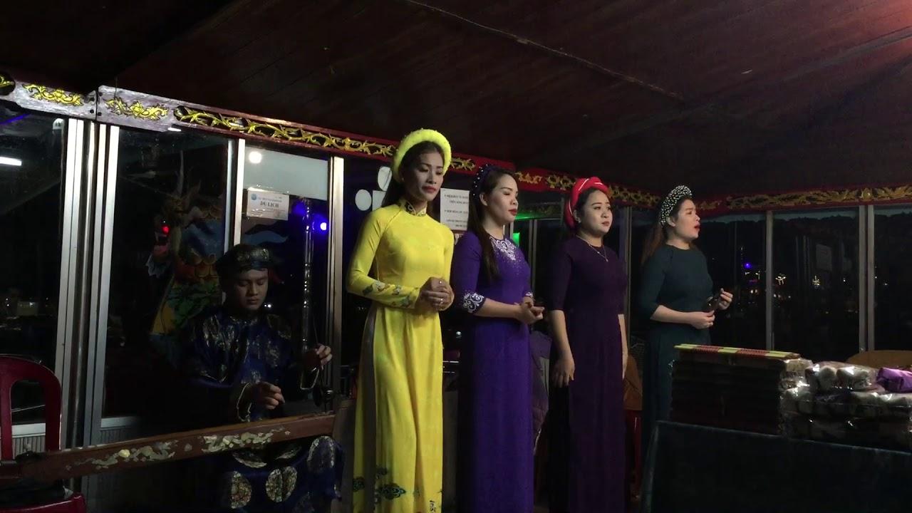 https://gody.vn/blog/olipnoi4502/post/ca-hue-tren-song-huong-net-dep-van-hoa-cua-co-do-7535