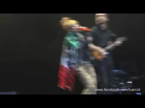 Paramore - Moving On (Live in Mexico City 2013) HD