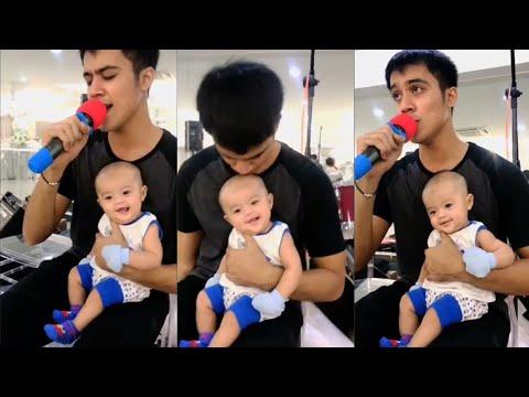 Baby Ayden sengih2 dengar Aliff Aziz nyanyi lagu Belaian Jiwa
