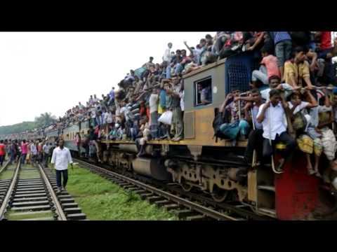 Trenes abarrotados de
