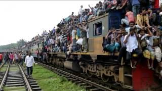 Trenes abarrotados de vuelta a casa para celebrar la Fiesta del Cordero