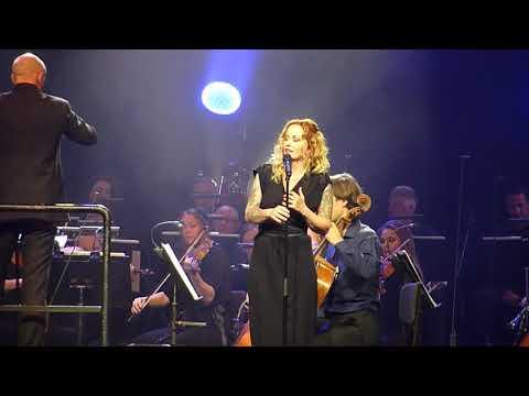 Anneke van Giersbergen & Residentie Orkest - When I Am Laid In Earth (013 Tilburg 18.05.2018) 2/4