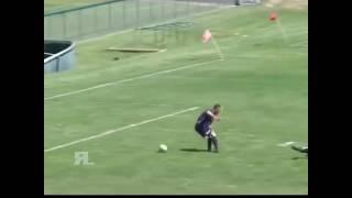 شاهد أغرب هدف في تاريخ كرة القدم!