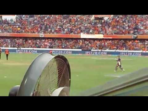 Crowd chanting dhoni dhoni..! In srh home ground!