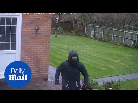 Police DELETE CCTV of robbery and DON'T collect back up!